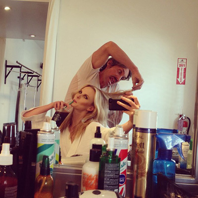 @annev_official: My hairdresser @robsalty is little bit intense today?
