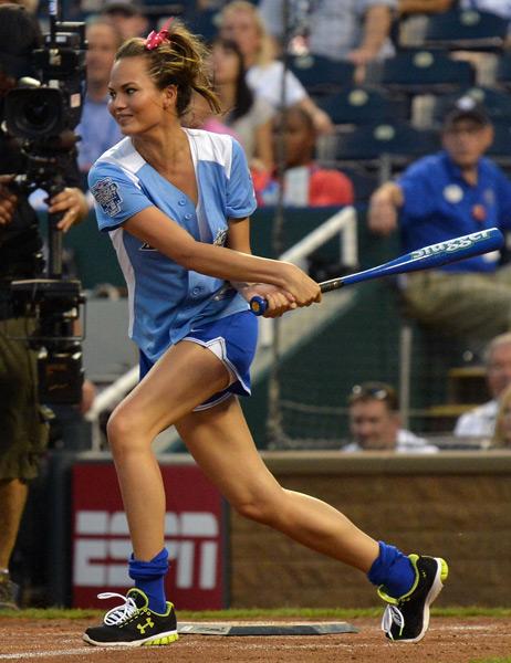 Chrissy Teigen :: Rick Dimaond/Getty Images