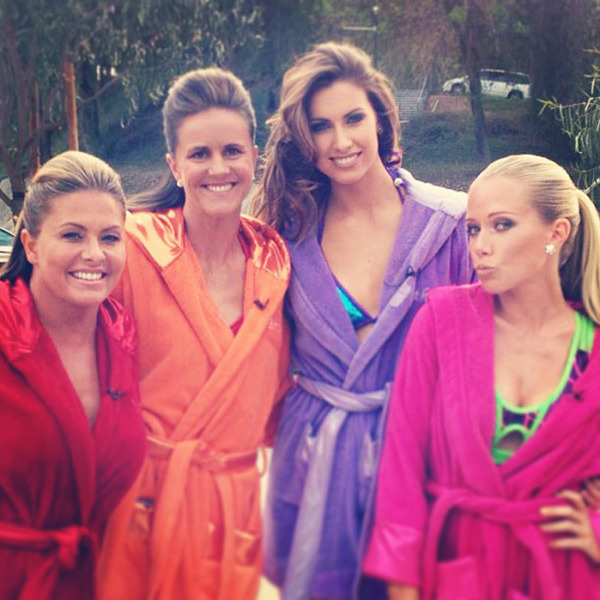 @_katherinewebb: Hanging with the girls on set! @kendrawilkinson @brandichastain @nicoleeggert