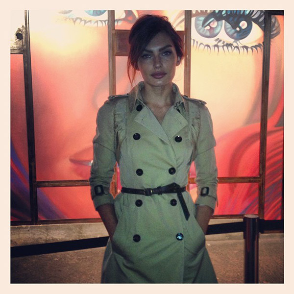 @luvalyssamiller: Trench look #burberry thanks for the photo @bjorniooss
