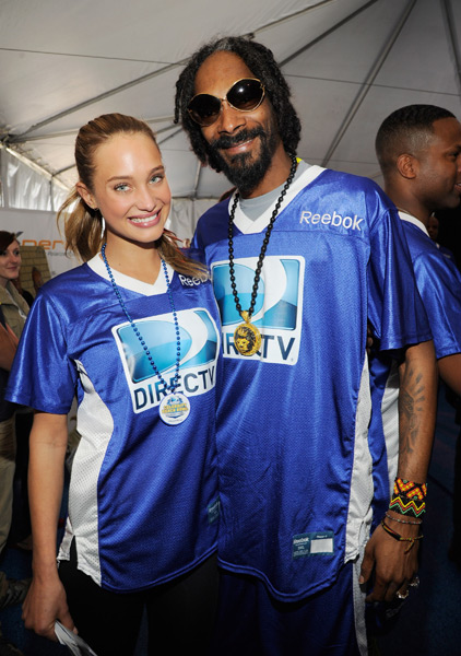 Hannah Davis and Snoop Dogg :: Kevin Mazur/Getty Images