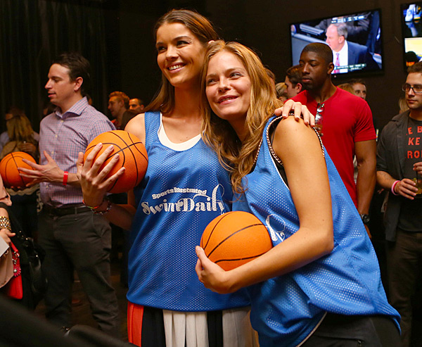 Natasha Barnard and Jessica Perez :: Erick Rasco/SI