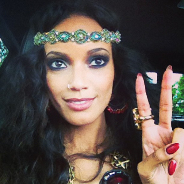 @selitaebanks: Peace love & soul yall. #gdnight