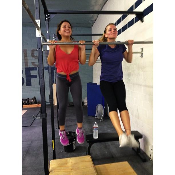 @brunasschmitz: #shortgirlproblem   @nagemelamed