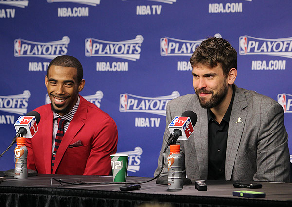 Mike Conley, Marc Gasol, Grizzlies: Game 3 vs. Thunder (Joe Murphy/NBAE via Getty Images)