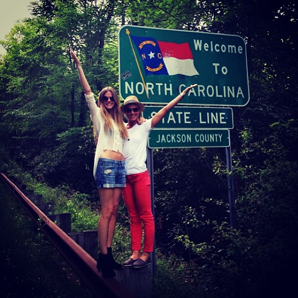 @brooklynddecker: Regram from @annakdukes #backtoourroots #lostkeysdontcare #carolinagals