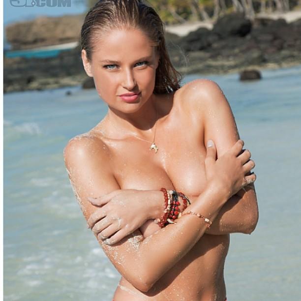 @genevievemorton: #toplesstuesday
