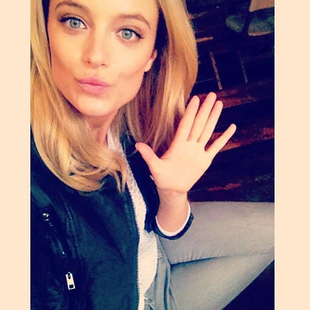 @katelynnebock: Hola from Set, Yo. Happy Thursday June 13th!