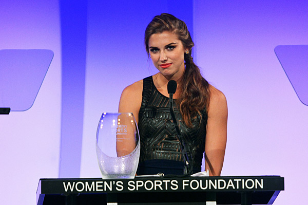 Alex Morgan :: Mike Coppola/Getty Images