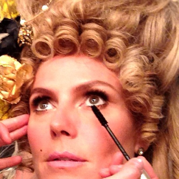 @heidiklum: @lindahaymakeup getting me ready for my close up #projectrunwayseason12