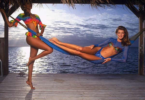 Ingrid Seynhaeve and Tyra Banks in Islamorada, Fla. :: Walter Iooss Jr./SI (1992)