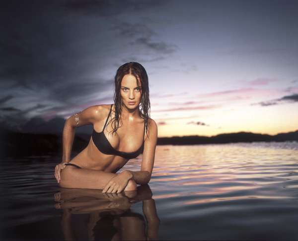 Michelle Behennah in Oahu, Hawaii :: Walter Iooss Jr./SI (1999)