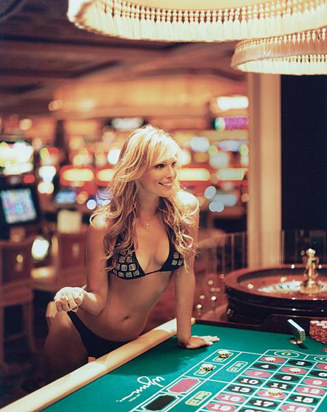 Molly Sims in Las Vegas :: Raphael Mazzucco/SI (2005)