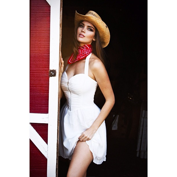 @tashy_tashb: Bombshell shoot for Galore Magazine @kittengalore #cowgirl #lookingforcowboy