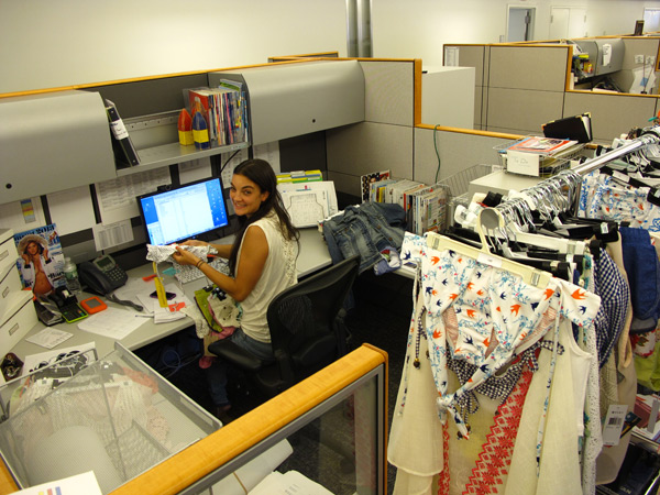Janine at her desk :: Darcie Baum/SI