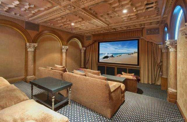 A Newport Coast home recently listed for sale by Kobe Bryant has an entertainment room. (listingpointrealty.com)