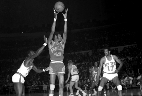 Connie Hawkins in the Suns' original purple jersey in 1969. (New York Daily News Archive/Getty Images)