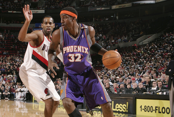 Amar'e Stoudemire in the Suns' redesigned purple jersey in 2004.                                                               (Sam Forencich/ Getty Images)