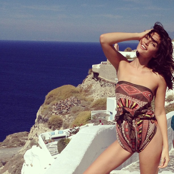 @luvalyssamiller: Just being super casual #santorini