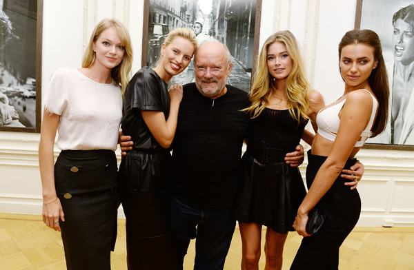 Lindsay Ellingson, Karolina Kurkova, Peter Lindbergh, Doutzen Kroes, and Irina Shayk attend the Peter Lindbergh exhibition at Vladimir Restoin Roitfeld Gallery. (Photo by Dimitrios Kambouris/Getty Images)
