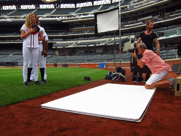 Kate Upton, BJ Upton,  Justin Upton and Walter Iooss Jr. :: Darcie Baum/SI