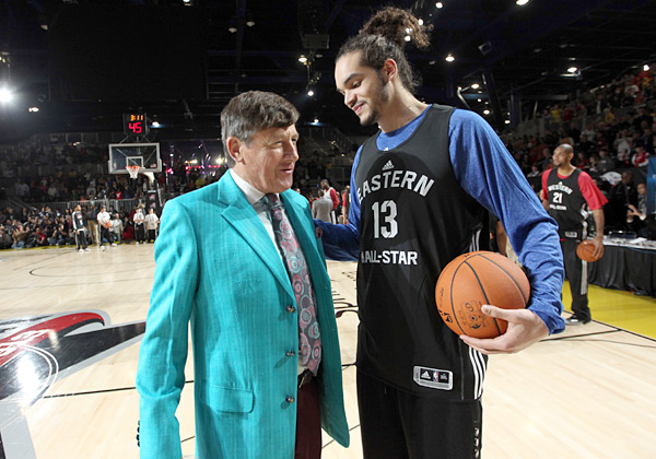 Craig Sager and Joakim Noah :: Joe Murphy/NBAE via Getty Images