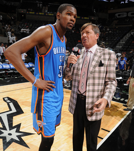 Kevin Durant and Craig Sager :: Garrett W. Ellwood/NBAE via Getty Images