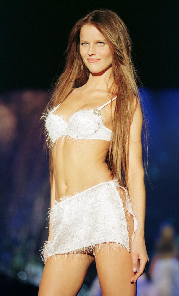 Victoria's Secret, 1999  ::  Jon Gordon/Getty Images