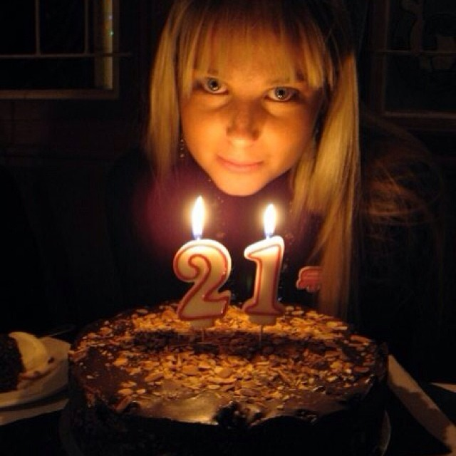 @genevievemorton: #tbt my 21st cake and me