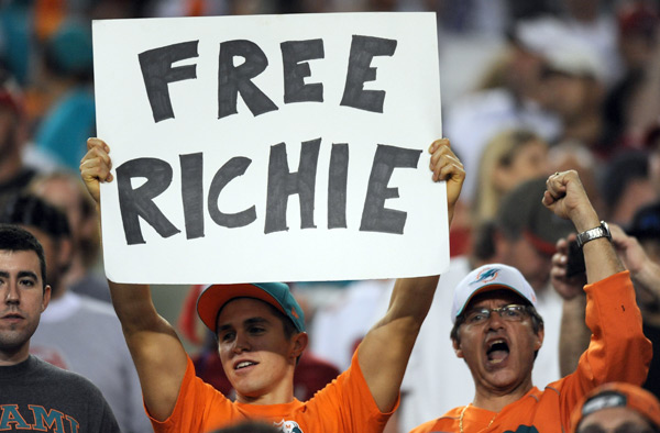 Dolphins Fans :: Jim Rassol/Getty Images