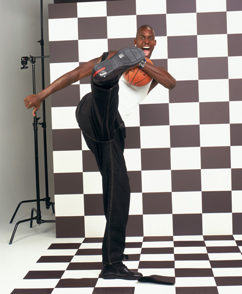 Kevin Garnett (2003) ::  Jennifer Pottheiser/NBAE via Getty Images
