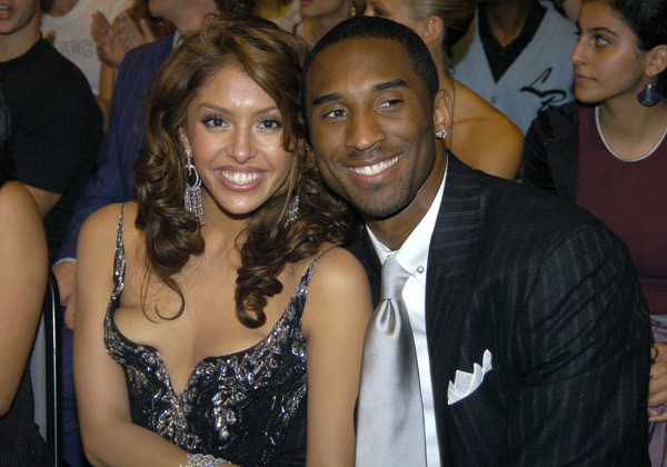 Kobe and Vanessa Bryant  at MTV Movie Awards (2004) :: Jeff Kravitz/FilmMagic)