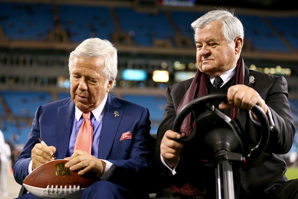 Patriots owner Robert Kraft and Panthers Jerry Richardson hang out before the game. (Streeter Lecka/Getty Images)