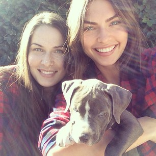 @luvalyssamiller Christmas morning sunshine with this wrinkle face @chelsea_millerxoxo