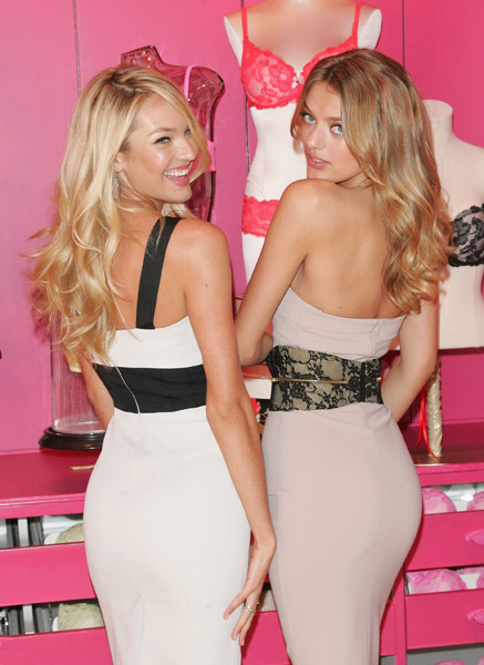 Bregje Heinen and Candice Swanepoel :: Getty Images
