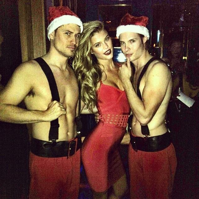 @ninaagdal: I get two santas