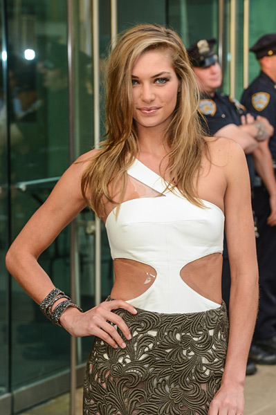 Jessica Hart :: Getty Images