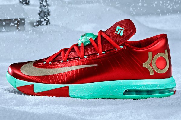 The Christmas version of Kevin Durant's signature Nike sneaker, the KD VI. (Nike)
