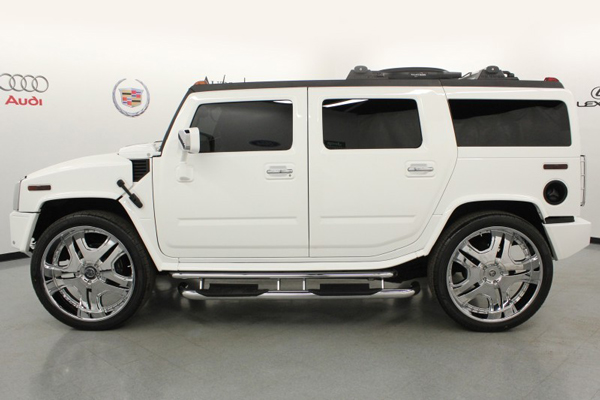 A side view of the Hummer H2 that LeBron James drove during high school (Autos Direct Online)