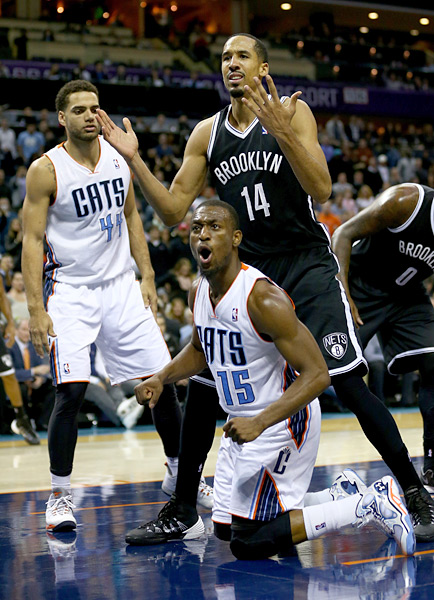 Kemba Walker and Shaun Livingston :: Getty Images