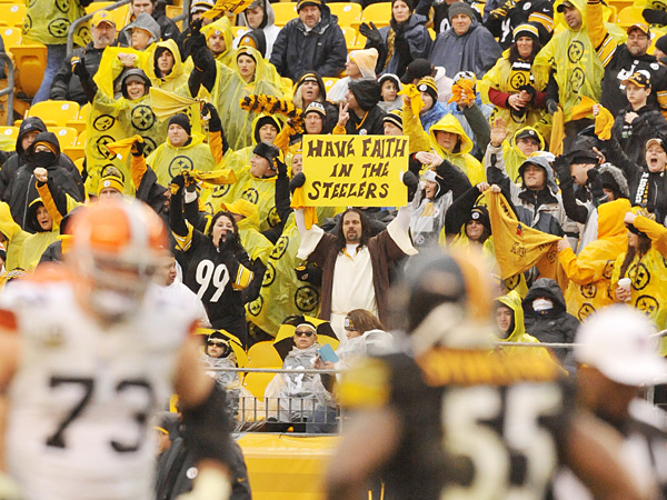 Cleveland Browns v. Pittsburgh Steelers ::  Nick Cammett/Diamond Images/Getty Images