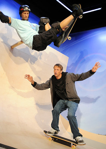 Tony Hawk :: AP