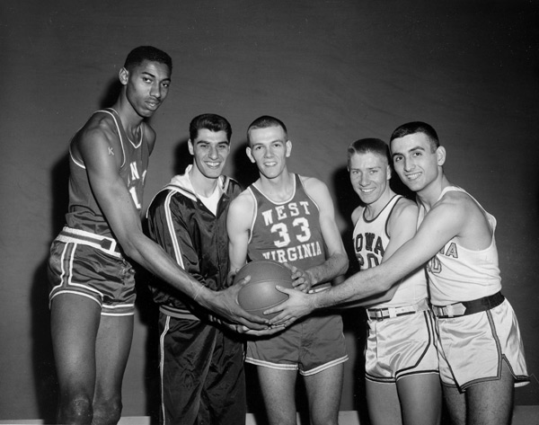 Wilt Chamberlain, Lennie Rosenbluth,  Rod Hungley, Gary Thompson and Chet Forte :: AP