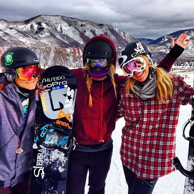 @hannahteter: Happy New Year's Eve from the boarder babes of Aspen! @gretchenbleiler@elenahight #howsyourAspen