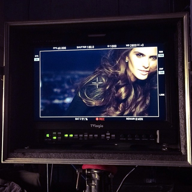 @iza_goulart: Camera! Lights!! Action!! Today on set filming a new tv commercial!! Exciting! #london #day2 #work #upcoming #newproject #excited #onset