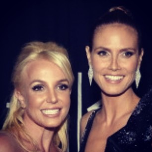@heidiklum Congratulations @britneyspears on your @peopleschoice award.