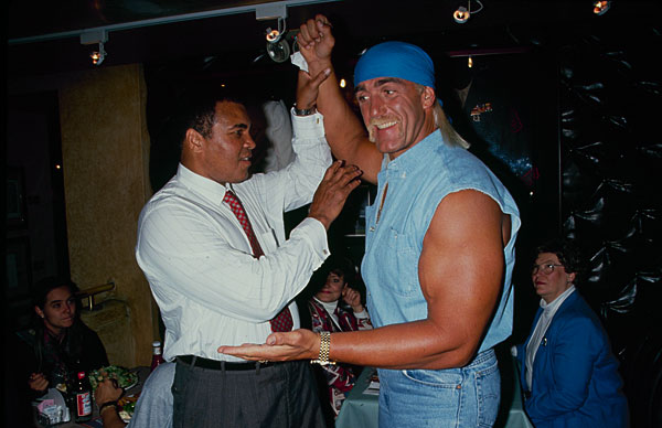 Hulk Hogan and Muhammad Ali :: Getty Images