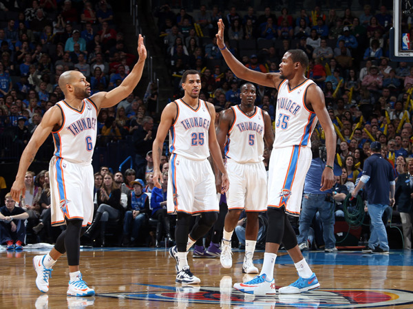 Derek Fisher, Thabo Sefolosha, Kendrick Perkins and Kevin Durant :: Layne Murdoch/NBAE via Getty Images