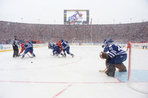 Maple Leafs and Red Wings :: Getty Images
