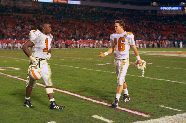 Peyton gets frustrated with teammate Leonard Little during the 1998 Orange Bowl. (Al Tielemans/SI)